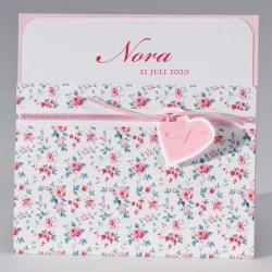 Pochettekaart met zachte bloemenprint